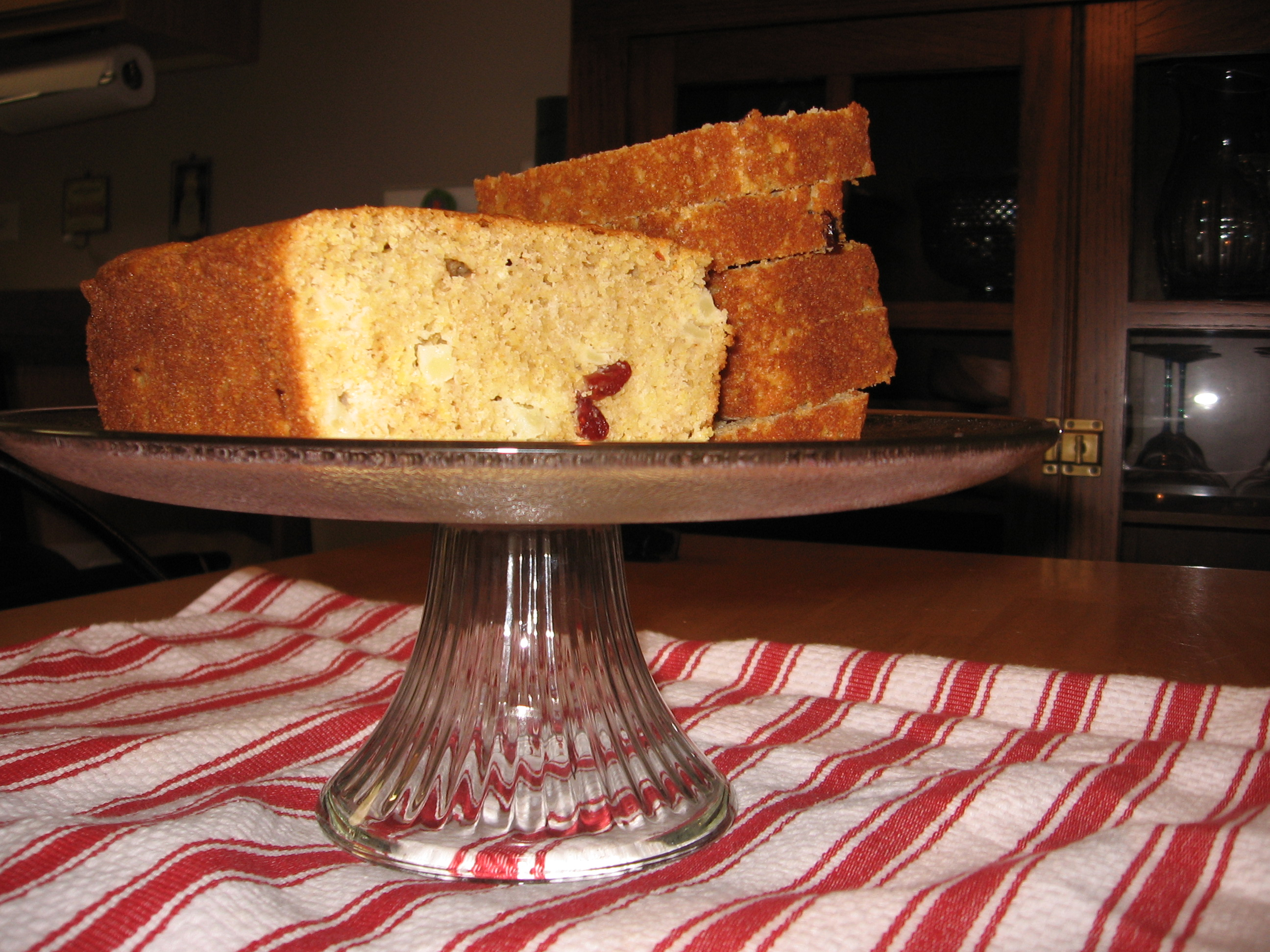 Cornmeal and Fruit Loaf: the Loaf